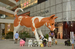 Anuncio gigante del perro, Bangkok foto de archivo