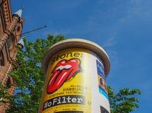 anuncios para el concierto de Rolling Stones en Hamburgo Imagen de archivo libre de regalías
