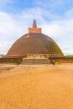 Anuradhapura Abhayagiri stupy kroków brudu pole V Fotografia Stock