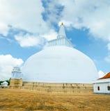 anuradhapura maha ruvanmali stupa 库存照片