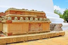 Anuradhapura Mirisawatiya Stupa, patrimonio mundial de la UNESCO de Sri Lanka Fotos de archivo