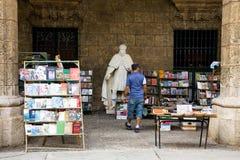 Använd bokmarknad, havannacigarr Arkivbild