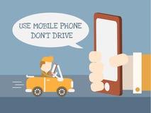 Använd mobiltelefonen kör inte Royaltyfri Foto