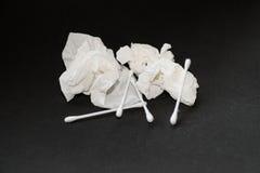Använd silkespapper- och bomullsknopp Royaltyfri Bild