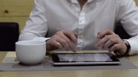 använda för tablet stock video
