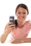 använda för telefon för flicka mobilt arkivbild