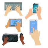 Användarehänder på maskinskrivning för hårt slag för arbete för internet för teknologi för gester för tangentborddatorhandlag bea stock illustrationer