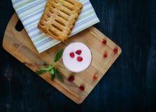 Användbar och smaklig frukost Arkivfoto