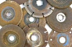 Använde flera slipande disketter för metallklipp Arkivbilder