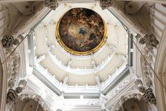 ANVERS BELGIEN - FEBRUARI 24, 2017: Inre, målningar och detaljer av den Notre Dame D `-Anvers domkyrkan, Februari 24, 2017 Royaltyfri Foto