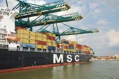 Récipients dans le port d'Anvers images stock