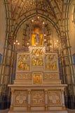 Anversa - altare scolpito con i sollievi. dal centesimo 19. dalla cappella laterale di Joriskerk o della chiesa di St George Immagini Stock Libere da Diritti