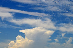 Anvil Cloud In Blue Sky Royalty Free Stock Images