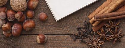 anyżowych bożych narodzeń cynamonowe kulinarne składników pikantność grać główna rolę kije Obraz Royalty Free