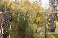 ANYKSCIAI, ΛΙΘΟΥΑΝΙΑ - oktober, 2017: Treetop TAKA LAJU διάβαση πεζών Στοκ φωτογραφίες με δικαίωμα ελεύθερης χρήσης