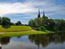 Anyksciai stad och härlig flod Sventoji royaltyfria bilder