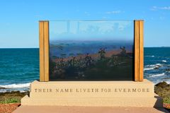 Anzac Memorial alla parte anteriore della spiaggia nel parco dell'emù, Queensland, Australia Fotografia Stock