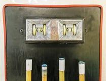 Anzeigetafel, die 0 - 1 ein Billardtisch über den Stichwörtern zeigt stockfoto