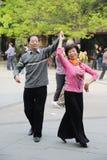 Anziani cinesi ballare Fotografie Stock Libere da Diritti