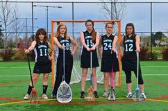 Anziani della squadra di college delle ragazze di Lacrosse Fotografia Stock Libera da Diritti