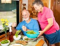 Anziani di rv - ciotola di insalata Fotografia Stock