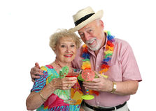 Anziani di vacanza con i cocktail fotografie stock libere da diritti