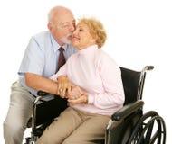 Anziani - gesto amoroso Immagine Stock
