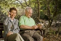 Anziani su un banco Fotografia Stock Libera da Diritti