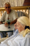 Anziani: Un momento di afflizione Fotografia Stock