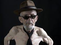 Anziano con gli occhiali da sole 2 immagine stock