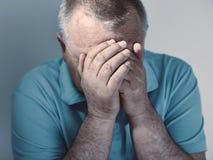 Anziano triste Immagini Stock