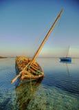 Anziehender goldener Sonnenaufgang des Dhow Lizenzfreies Stockfoto