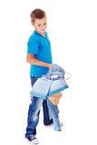 Anziehende Denimkleidung des Jungen stockbild