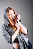 Anziehendes schönes junges Mädchen lizenzfreie stockbilder