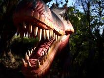 Anziehungskräfte innerhalb der Dinosaurier-Insel bei Clark Picnic Grounds in Mabalacat, Pampanga Lizenzfreie Stockbilder