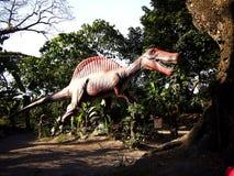 Anziehungskräfte innerhalb der Dinosaurier-Insel bei Clark Picnic Grounds in Mabalacat, Pampanga Stockbilder