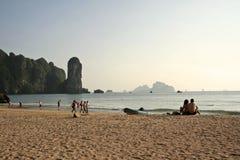 ao夫妇石灰岩地区常见的地形krabi nang泰国 库存图片