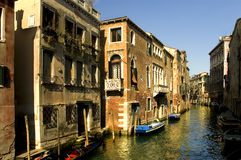 Ao longo das ruas de Veneza Imagens de Stock