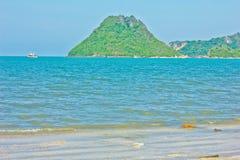 Ao manao beach. A beach is beautifui,   a mountain is beautiful, a sea green water, the sky is blue, green tree Stock Photography