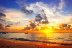 AO Nang, Krabi-Provinz Paradiesszene von Karibikinsel Stockbilder