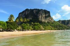 AO Nangs grüner und gefangennehmender Strand Lizenzfreie Stockbilder
