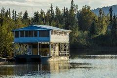 25 août 2016 - bateau-maison sur la rivière de Chena, Fairbanks Alaska Photo libre de droits