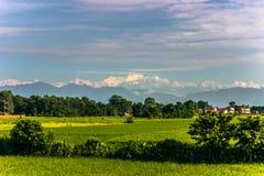 31 août 2014 - montagnes de l'Himalaya vues de Sauraha, Népal Image stock