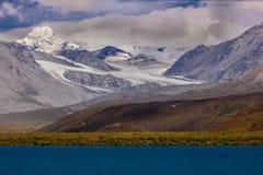 26 août 2016 - vue de surveillance de l'Alaska de glacier outre de Richardson Highway, itinéraire 4 Photographie stock