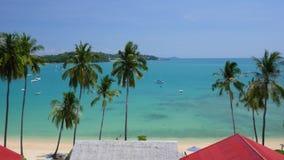 Ao Yon Beach, Phuket, Thailand Hoogste mening over het Andaman-Overzees stock footage