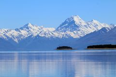 Aoraki/cuisinier de bâti de lac Pukaki, île du sud, Nouvelle-Zélande image stock