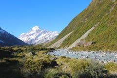 Aoraki/cuisinier de bâti le long de la voie de vallée de talonneur, île du sud, Nouvelle-Zélande photos stock
