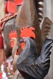 Aosta dolinny lokalny rękodzieło, drewniana cockerel rzeźba obraz stock