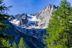 ` Aosta, Italia di Valle d del massiccio di Mont Blanc immagini stock