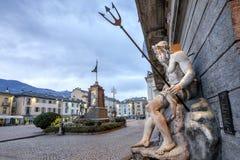 Aosta A milha Chanoux do ‰ da praça à é o quadrado principal em Aosta Italy fotos de stock royalty free